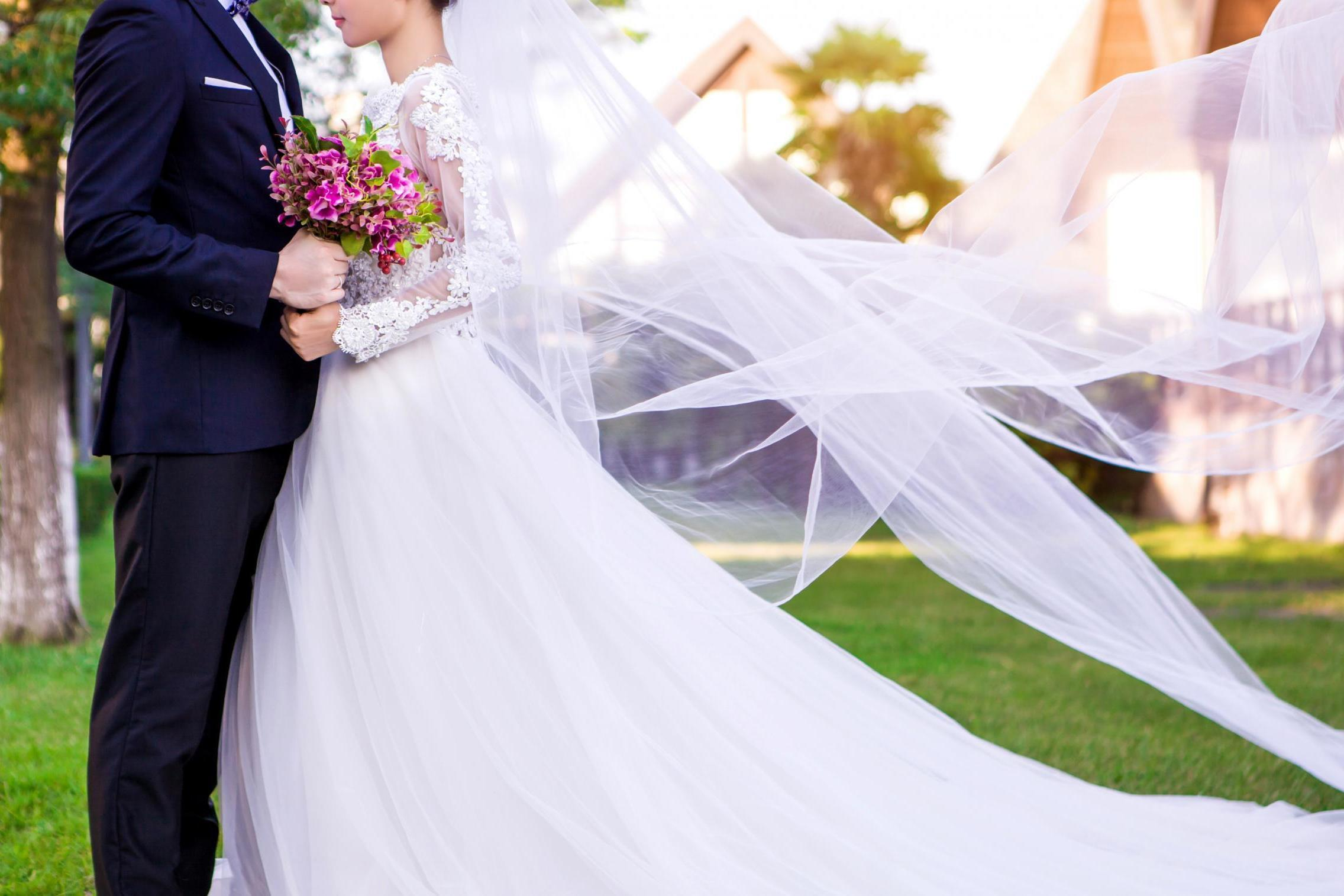 Creating a whole wedding in …minutes!